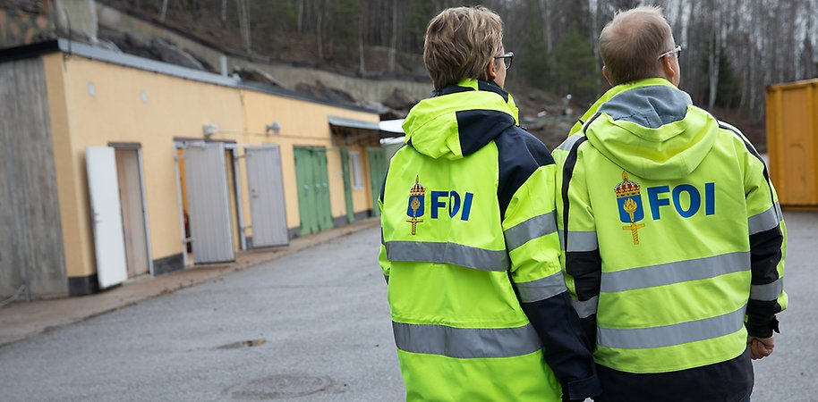 Two persons in FOI jackets